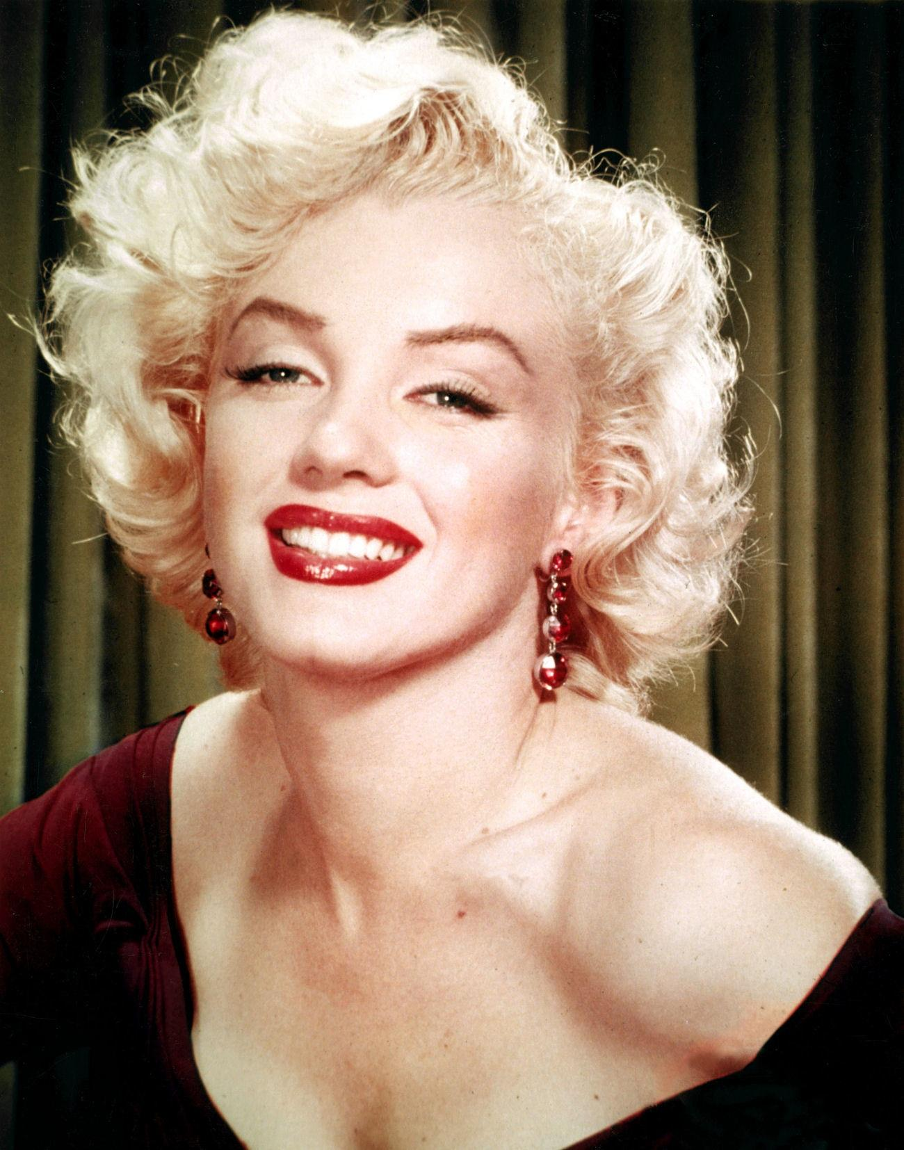 #214 WHO REALLY KILLED MARILYN MONROE WHILE SUZIE SCHMID, LINDA BOLANDER & JOHNNY LINDEN WERE AT INDEPENDENCE KS ON 8-5-1962, WHEN WE HEARD ON THE RADIO MARILYN DIED