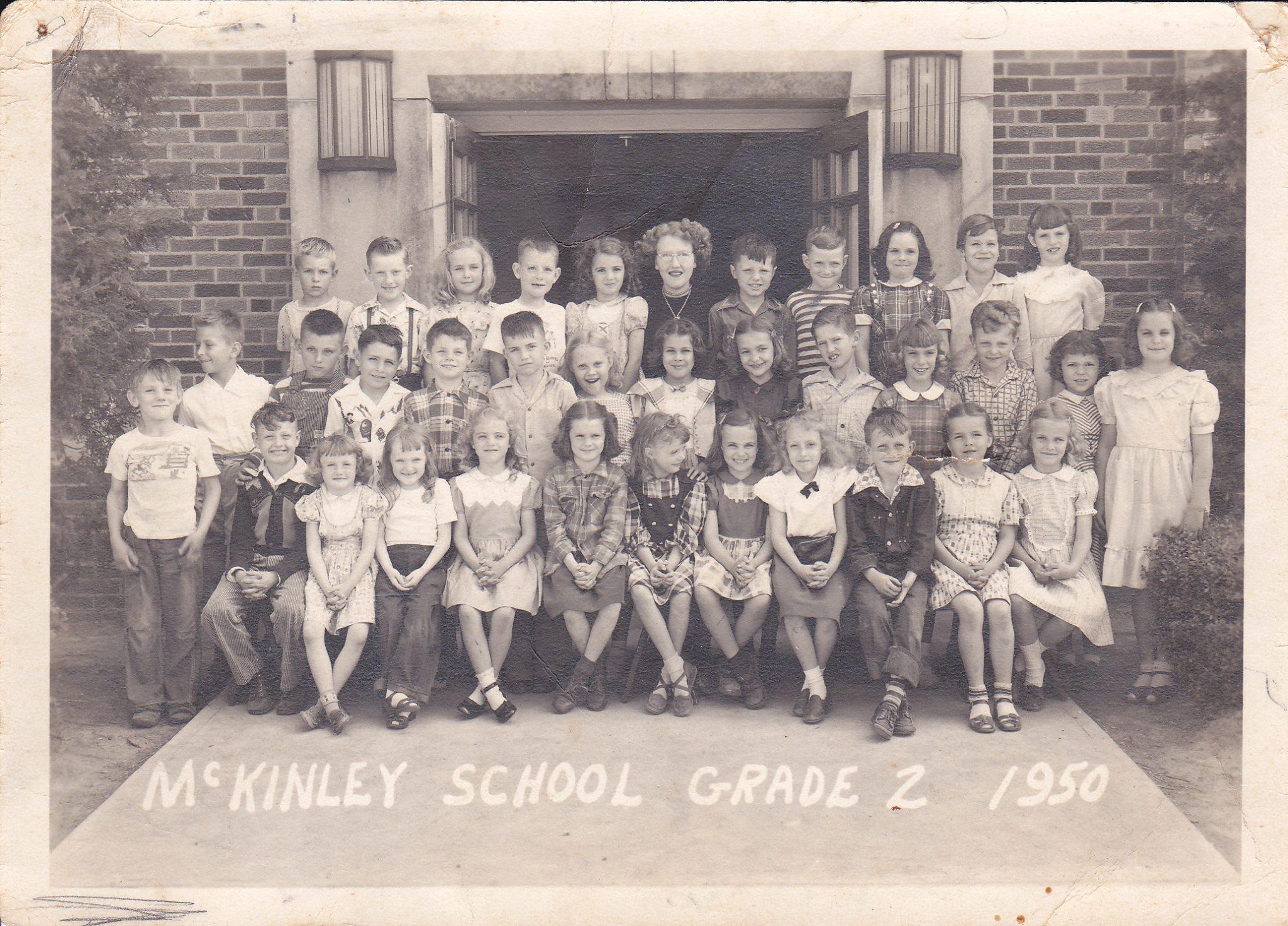 #105 P4 McKINLEY GRADE 2 1950 PARSONS, KS