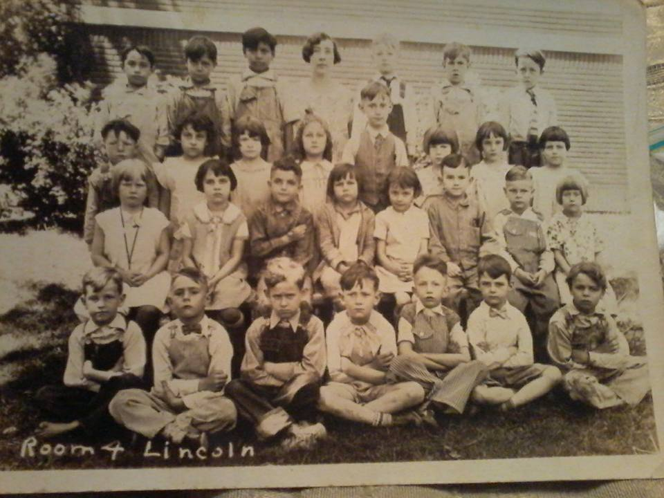 #112 Lincoln School 1931 Kindegarten Parsons, Ks