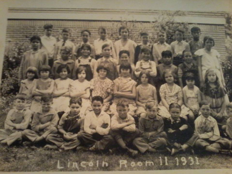 #113 Lincoln School 1931 1st Grade Parsons, Ks MANY MORE CLASS PIC AT #101 BELOW