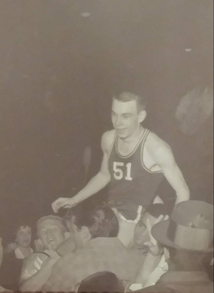 #14 LEONARD KELLY FROM PARSONS H. S. MADE THE WINNING BASKET 1960 PARSONS JR. COLLEGE NATIONAL CHAMPIONS